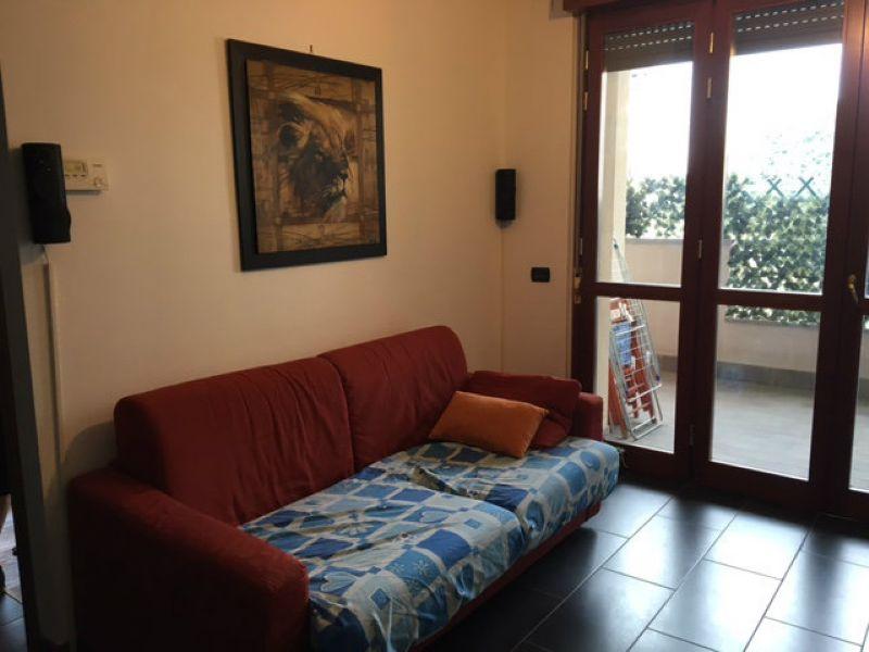 Bilocale Cesano Maderno Via Sandro Pertini 9