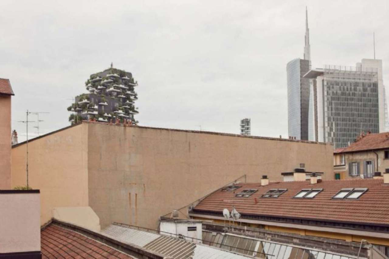 Bilocale Milano Via Dal Verme 4