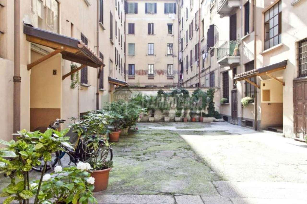 Bilocale Milano Via Dal Verme 12
