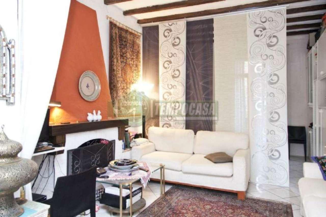 Bilocale Milano Via Monte Cristallo 10