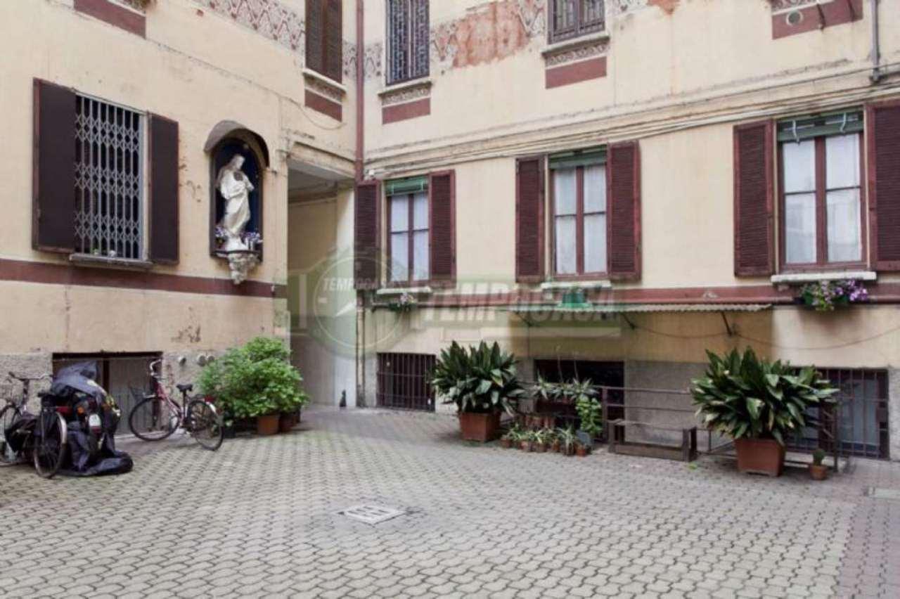Bilocale Milano Via Jacopo Dal Verme 11