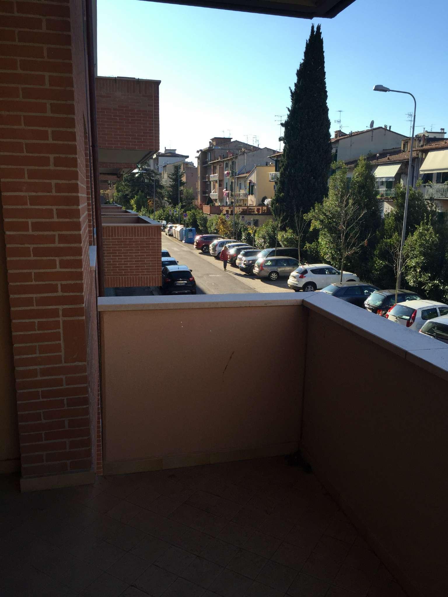 Bilocale Firenze Via Napoleone Bonaparte 9