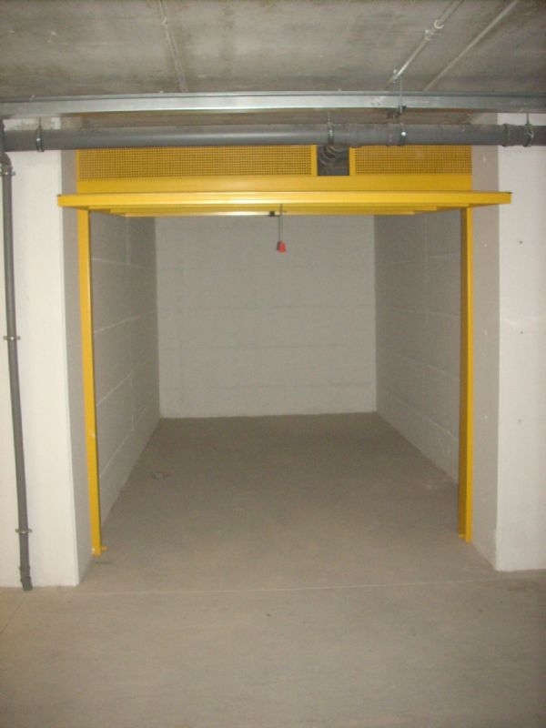 Box / Garage in affitto a Firenze, 1 locali, zona Zona: 18 . Settignano, Coverciano, prezzo € 130   Cambio Casa.it