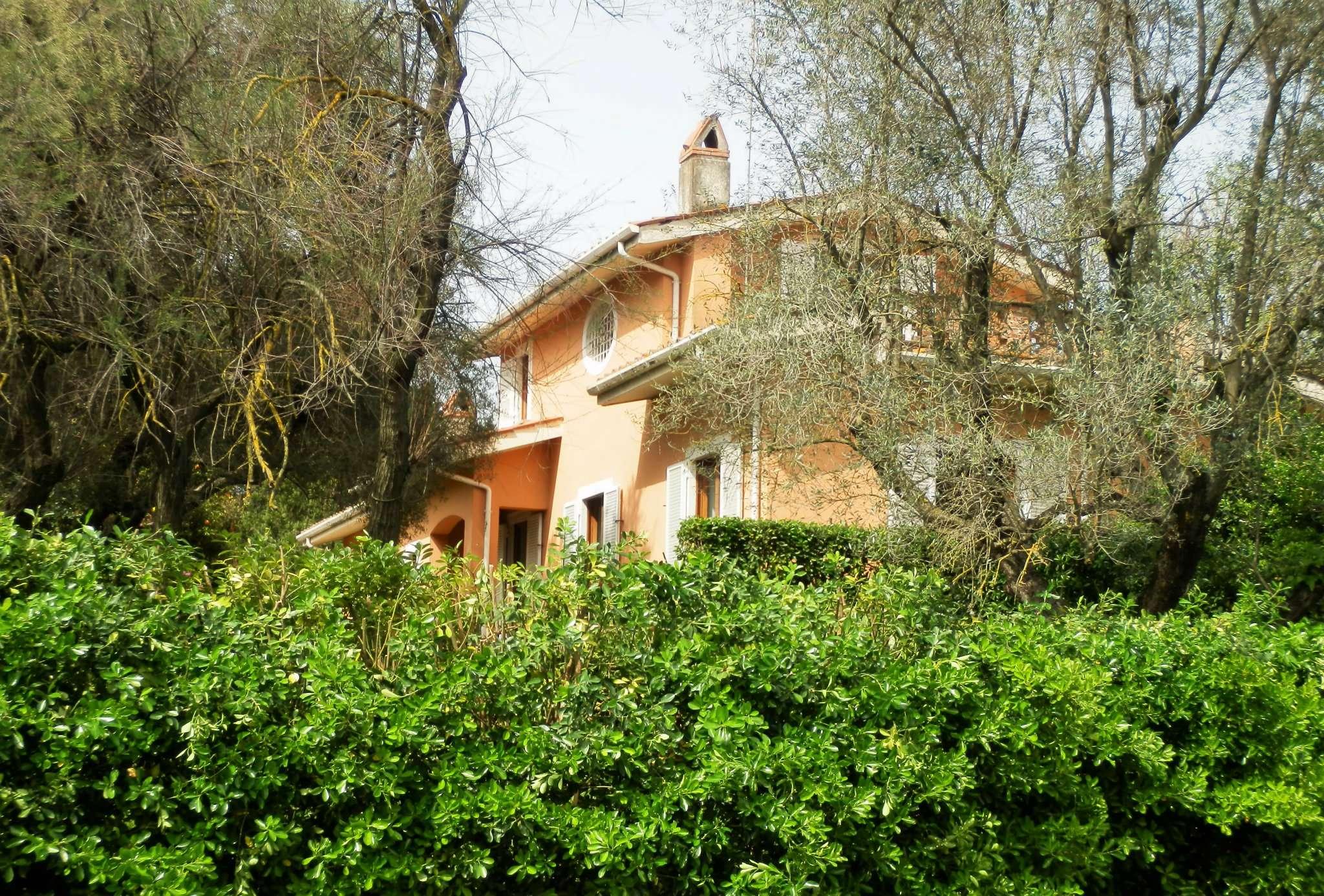 Villa in vendita a Sacrofano, 6 locali, prezzo € 580.000 | Cambio Casa.it