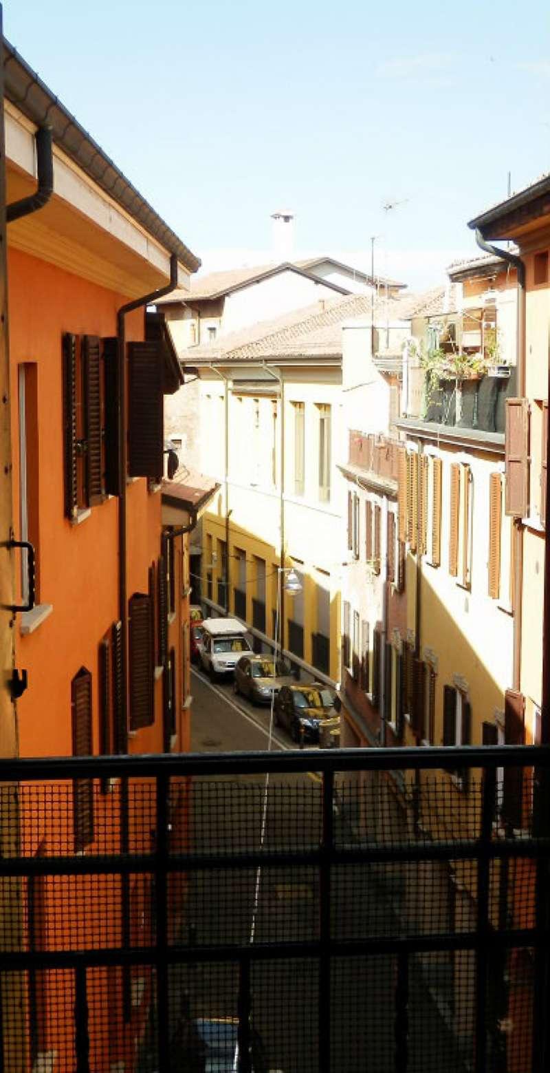 Appartamento in vendita 3 vani 108 mq.  via Begatto Bologna