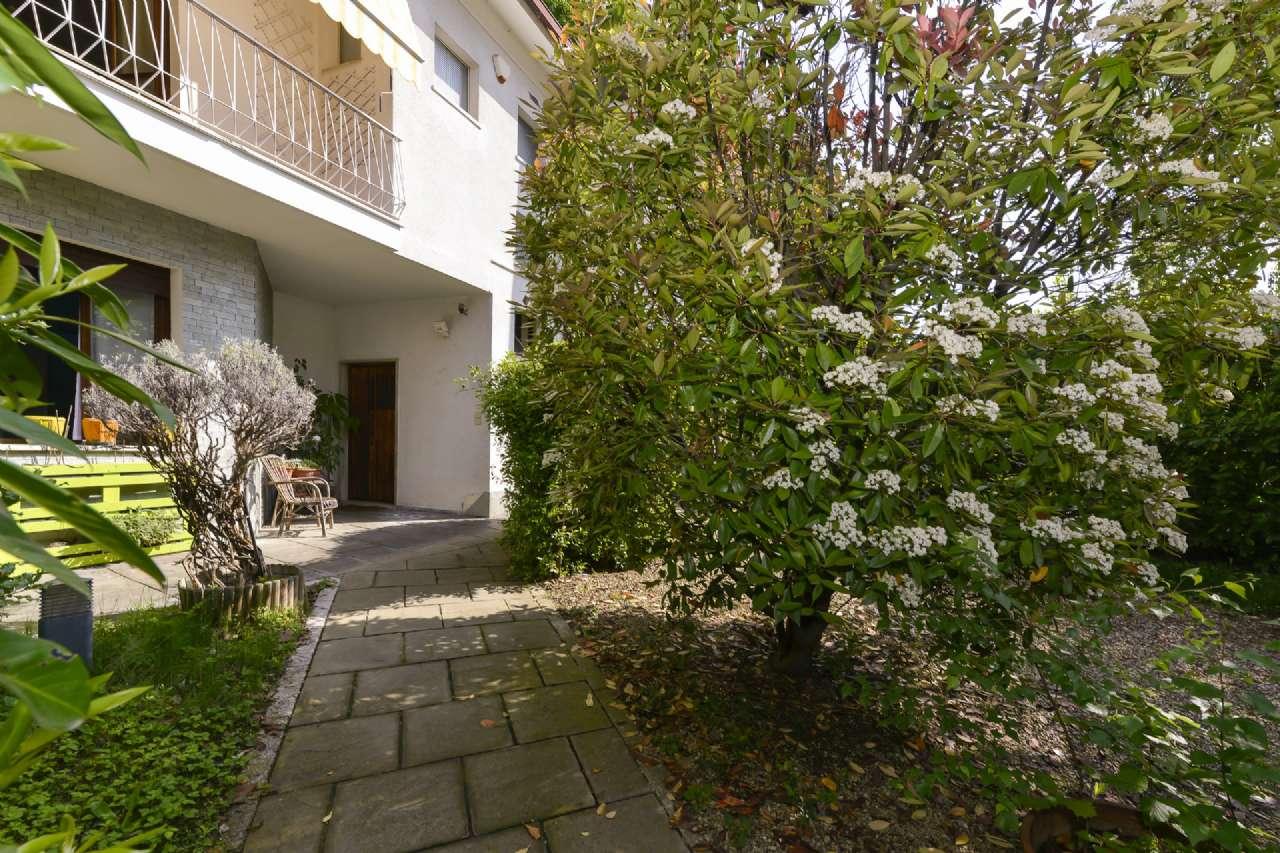 Foto 1 di Villa Unifamiliare via MAZZINI, Cambiano