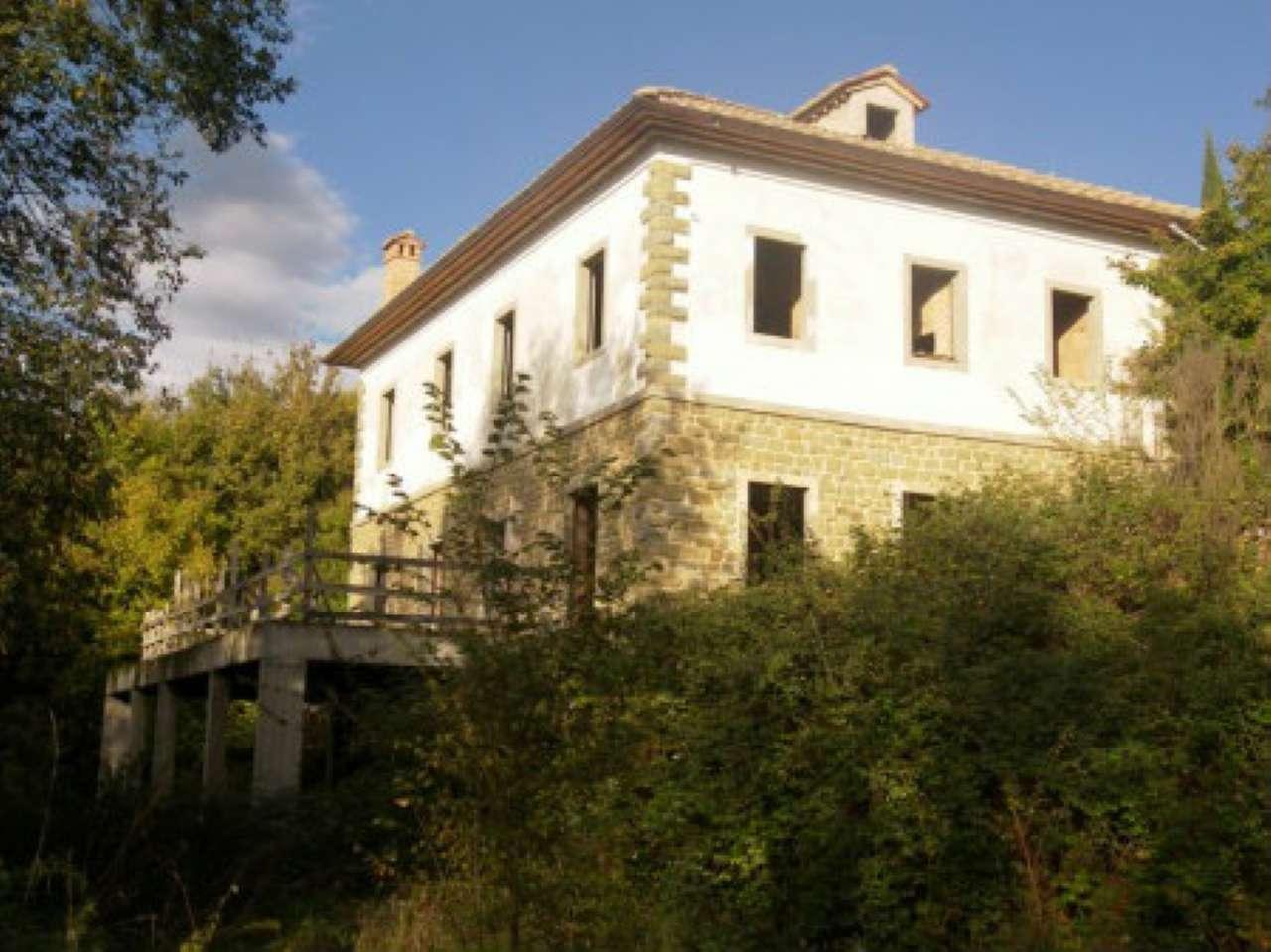 Villa in Vendita a Monte San Savino