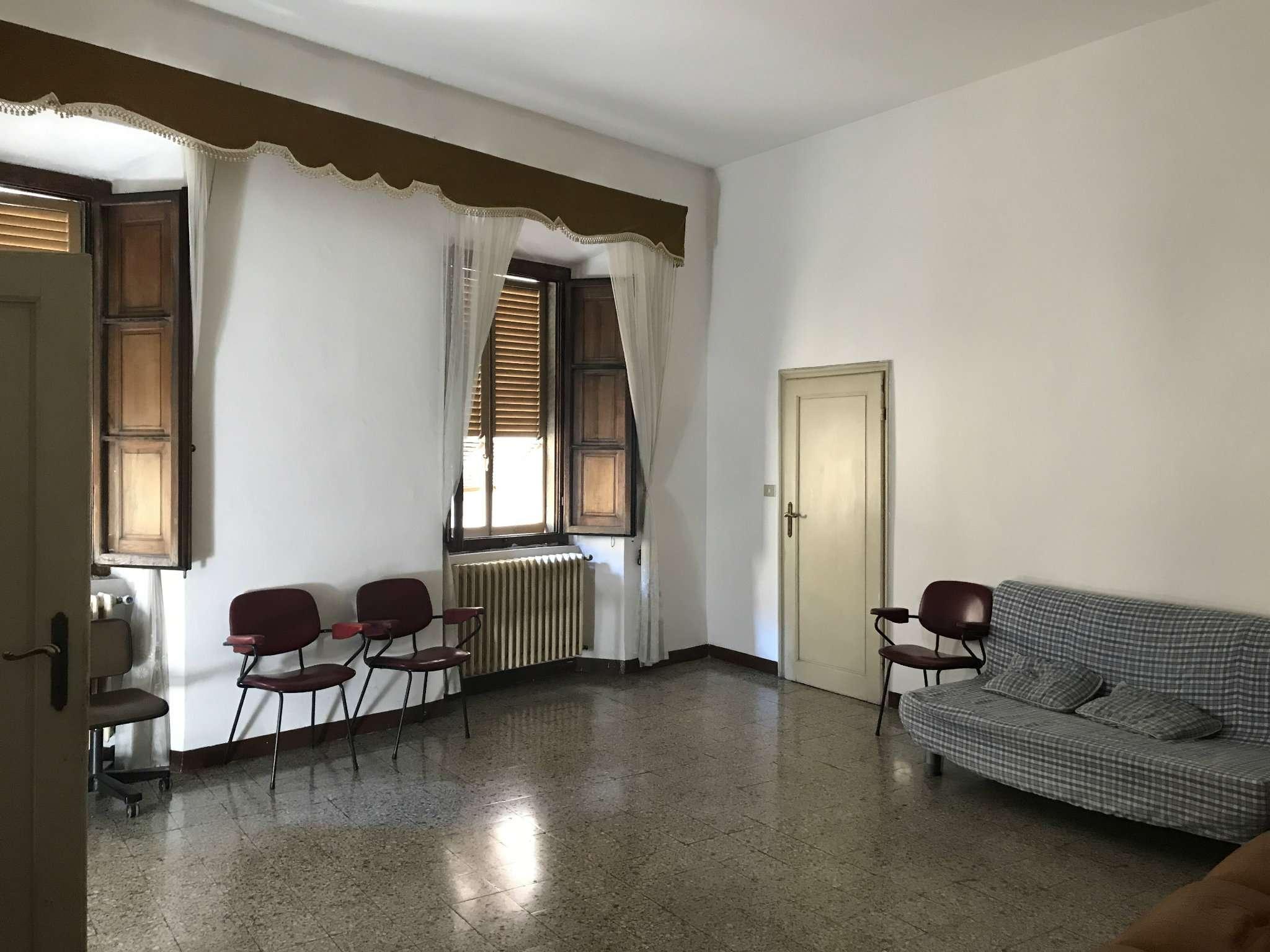 Appartamento in vendita a Sansepolcro, 5 locali, prezzo € 117.000 | CambioCasa.it