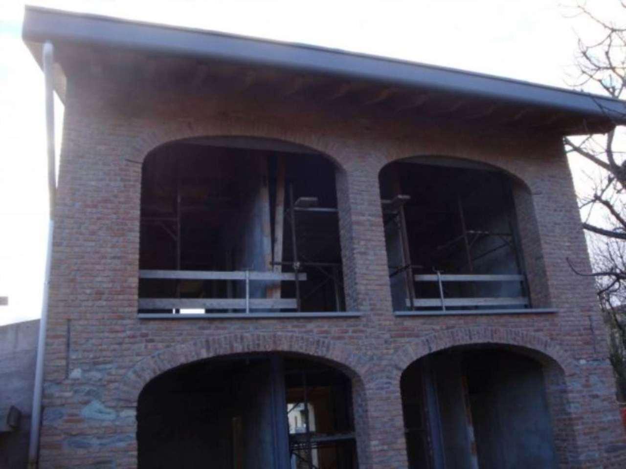 Rustico / Casale in vendita a Inverigo, 6 locali, prezzo € 495.000 | CambioCasa.it