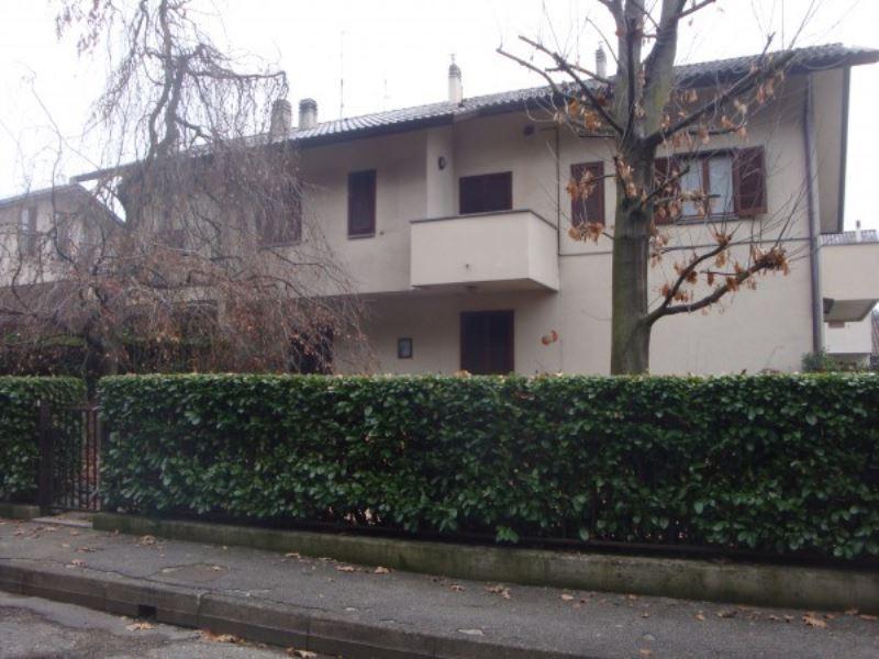 Appartamento in affitto a Mariano Comense, 3 locali, prezzo € 630 | CambioCasa.it