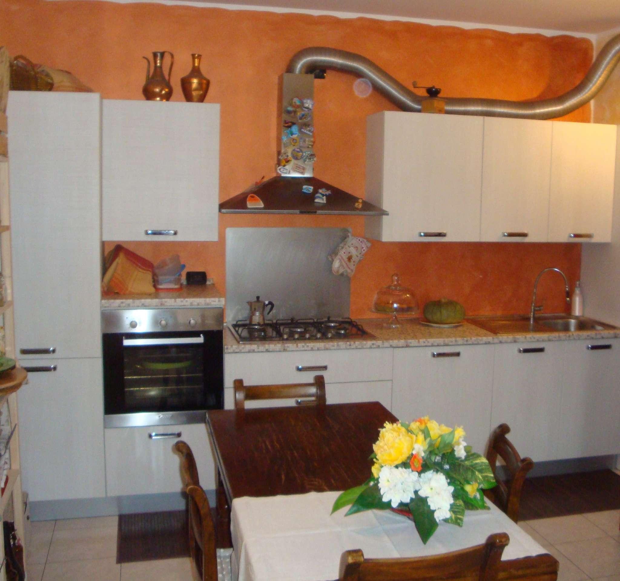Appartamento in vendita a Carugo, 3 locali, prezzo € 149.000 | Cambio Casa.it