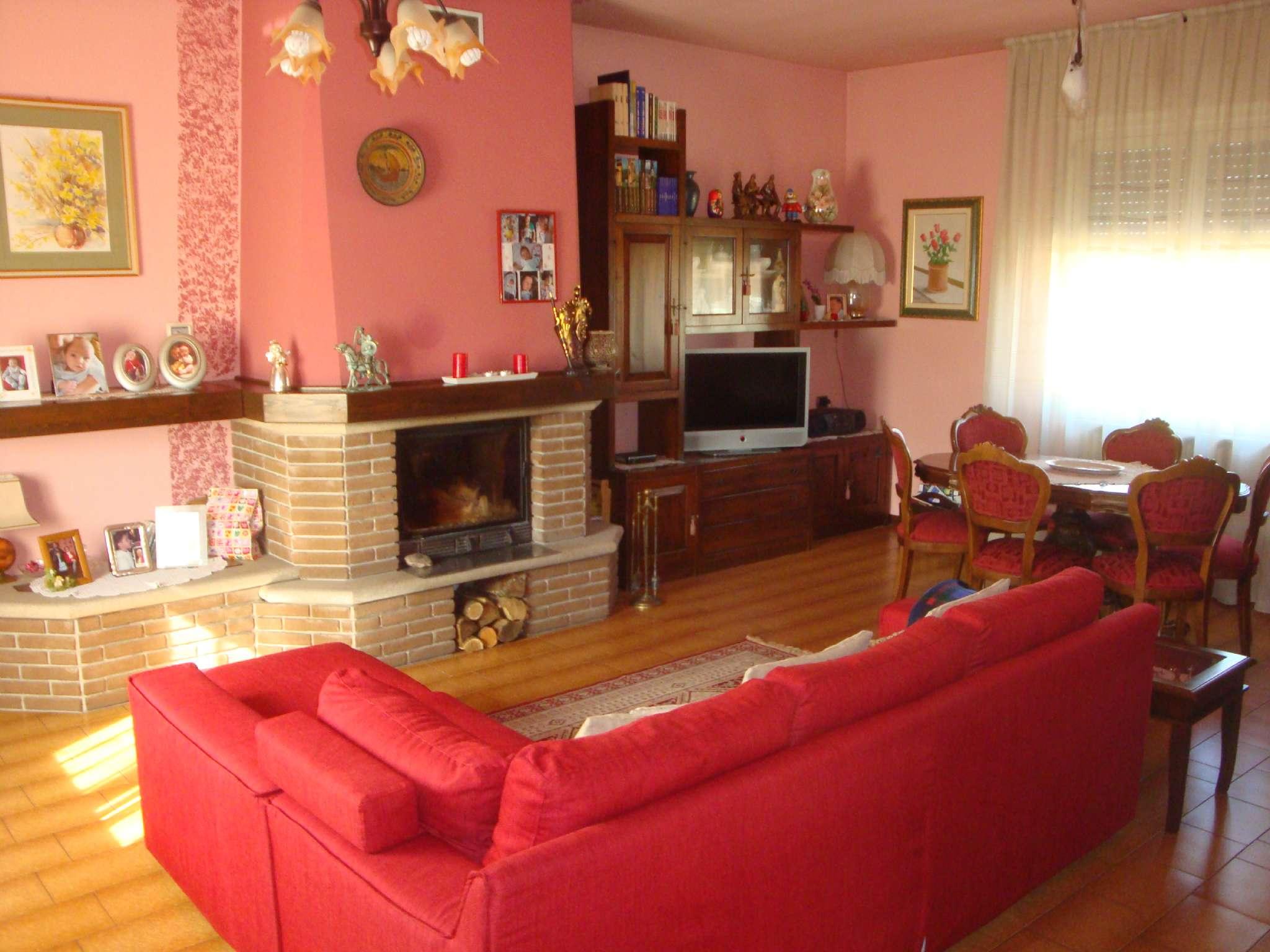 Soluzione Indipendente in vendita a Giussano, 9999 locali, prezzo € 358.000 | Cambio Casa.it