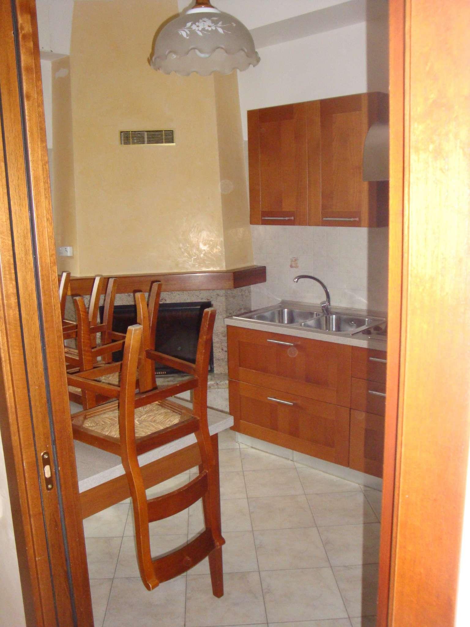 Appartamento in affitto a Mariano Comense, 4 locali, prezzo € 850 | Cambio Casa.it