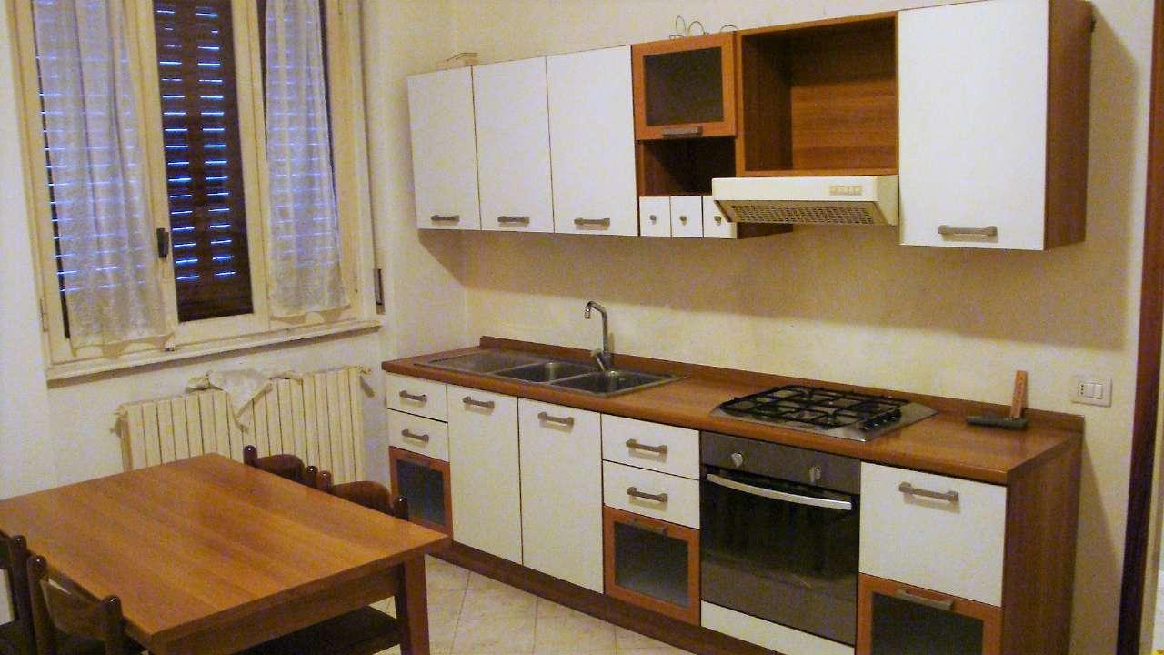 Appartamento in affitto a Giussano, 2 locali, prezzo € 400 | Cambio Casa.it