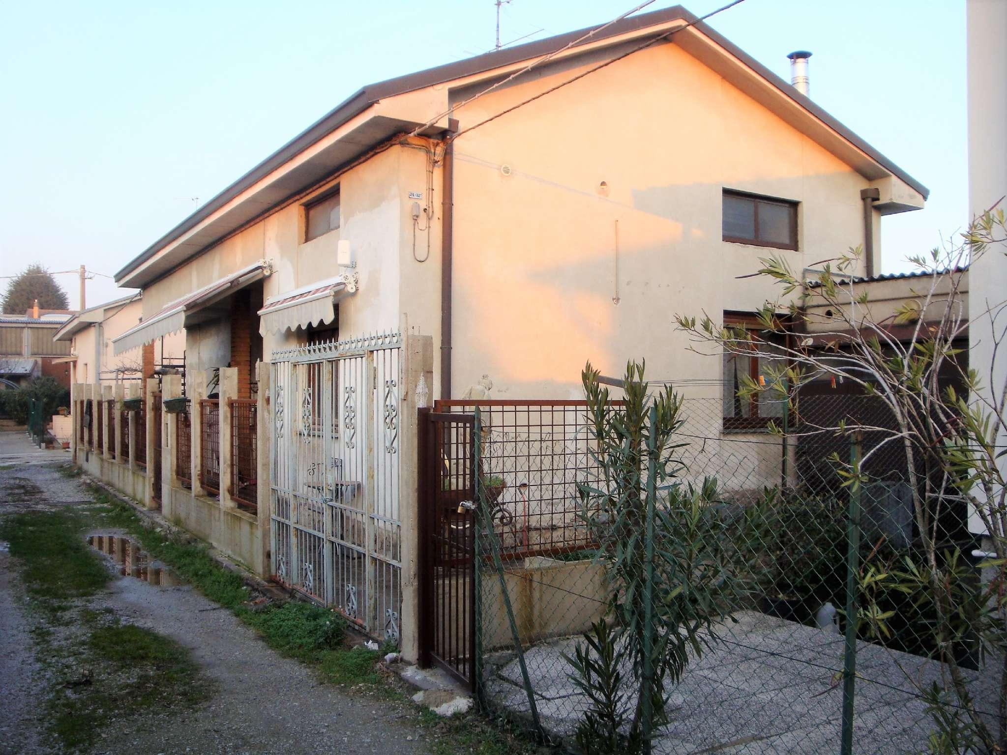 Soluzione Indipendente in vendita a Mariano Comense, 3 locali, prezzo € 229.000   CambioCasa.it