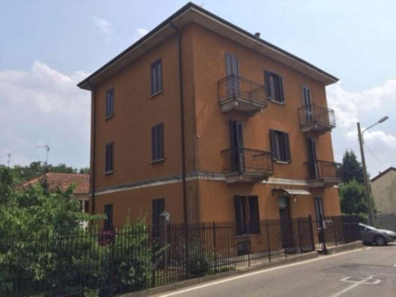 Appartamento in vendita a Gazzada Schianno, 3 locali, prezzo € 110.000 | Cambio Casa.it