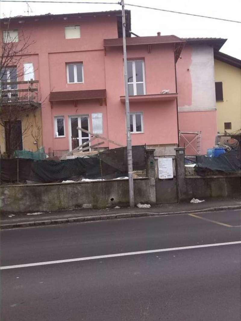 Appartamento in vendita a Azzate, 2 locali, prezzo € 105.000 | Cambio Casa.it