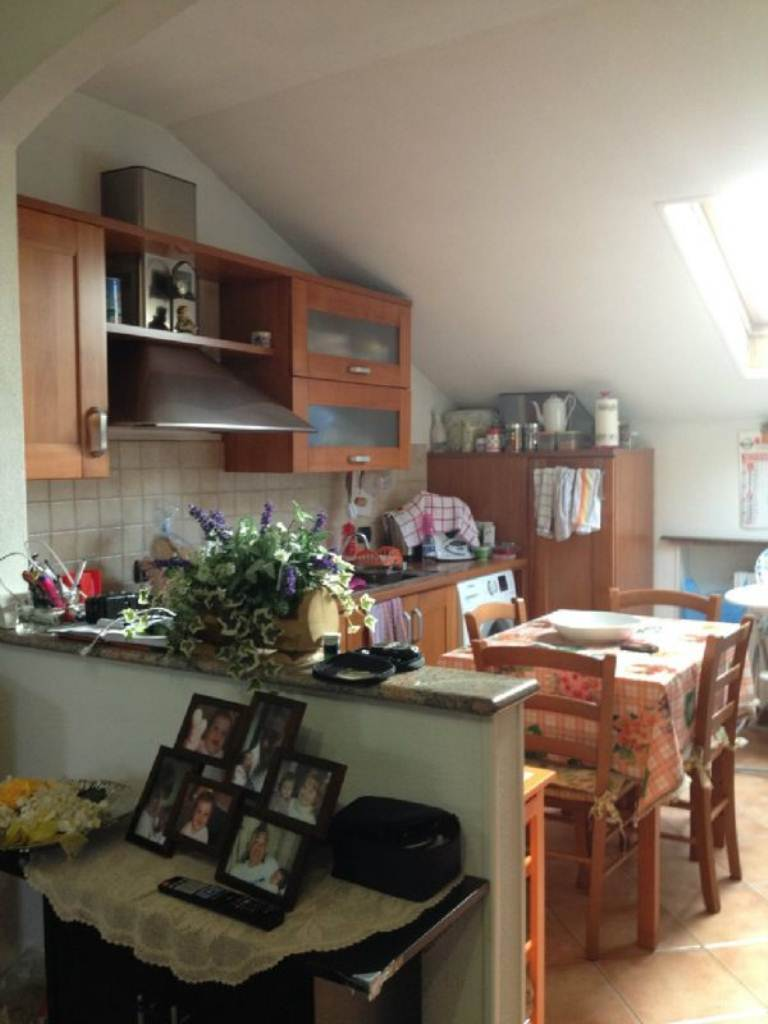 Appartamento in vendita a Lozza, 3 locali, prezzo € 76.000 | Cambio Casa.it