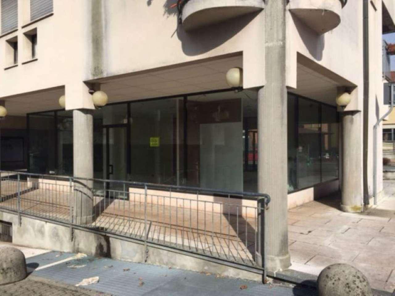 Negozio / Locale in vendita a Azzate, 1 locali, prezzo € 70.000 | Cambio Casa.it