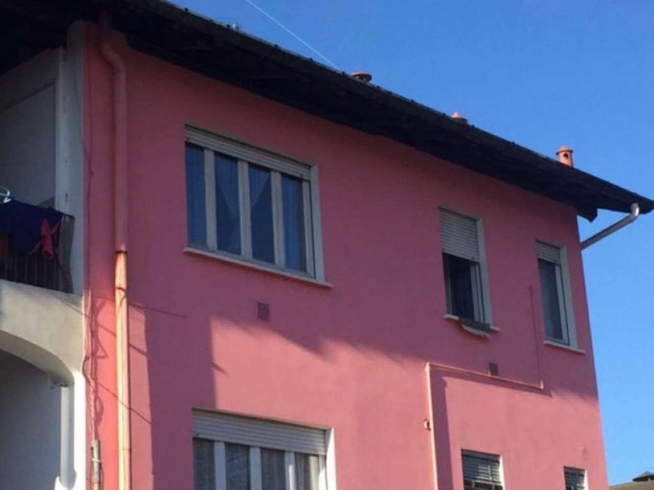 Appartamento in vendita a Castronno, 3 locali, prezzo € 70.000 | Cambio Casa.it