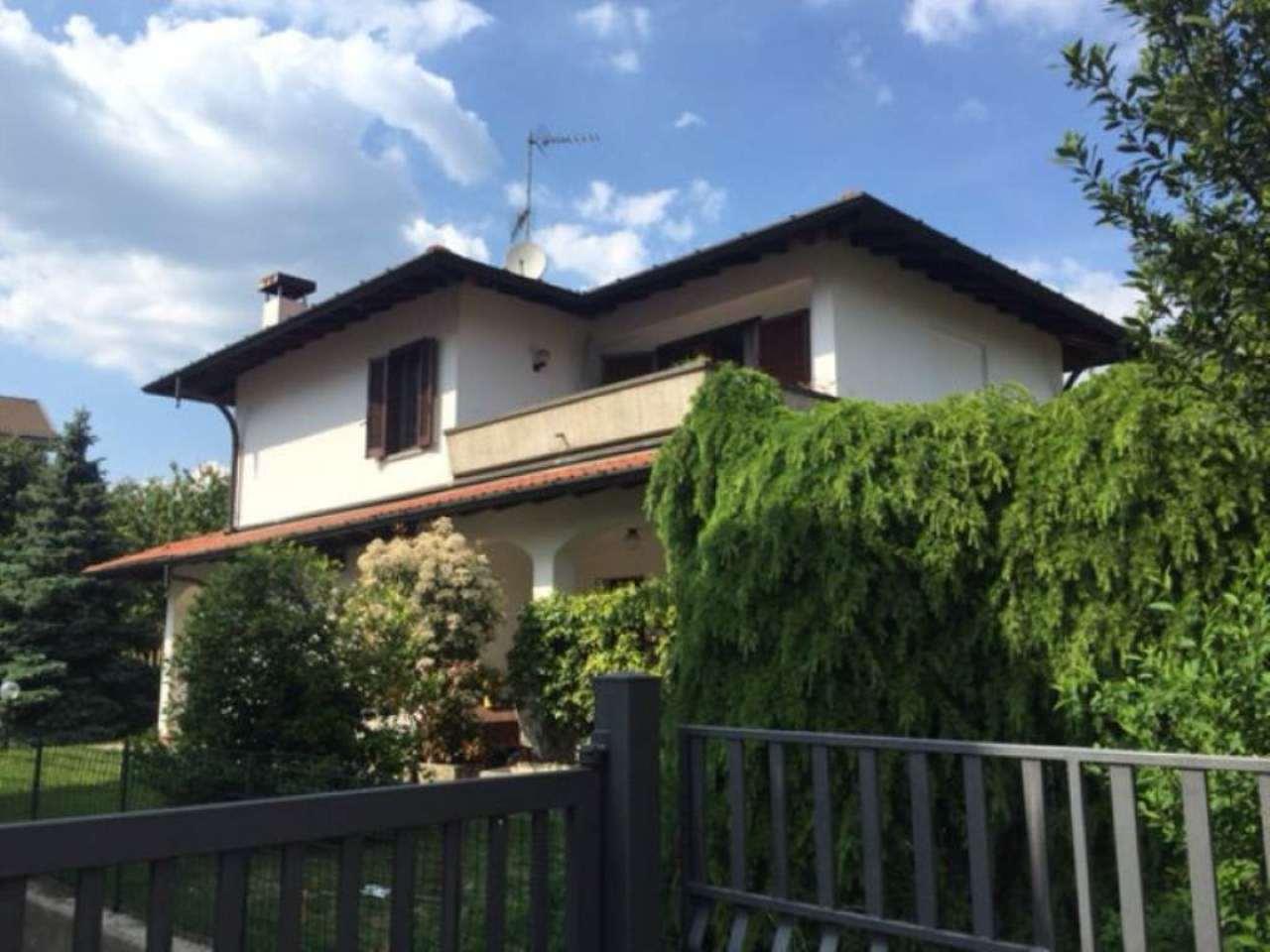 Villa in vendita a Caronno Varesino, 7 locali, prezzo € 310.000 | Cambio Casa.it