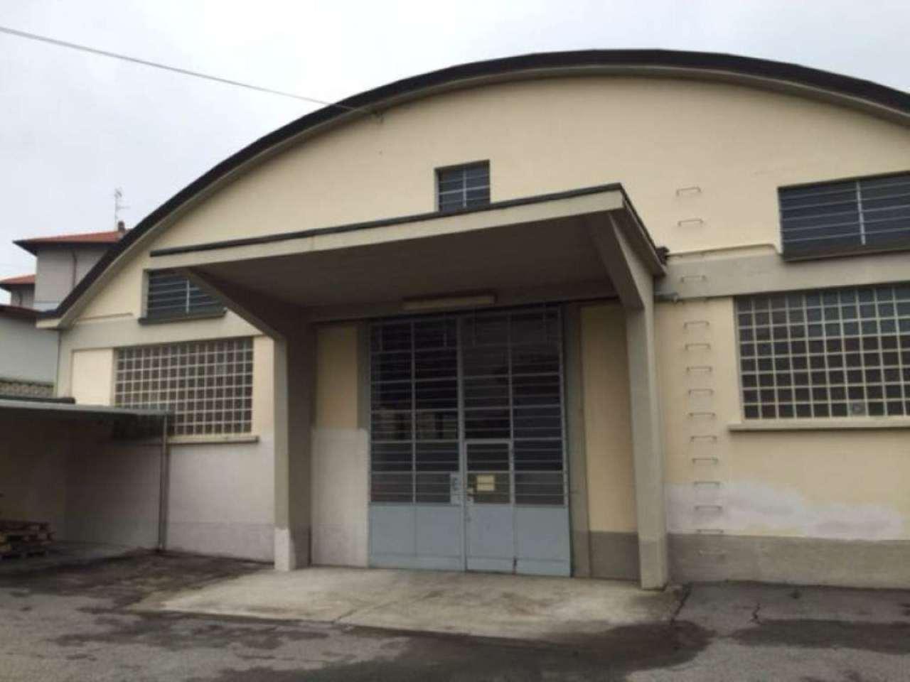Capannone in vendita a Carnago, 10 locali, Trattative riservate | Cambio Casa.it