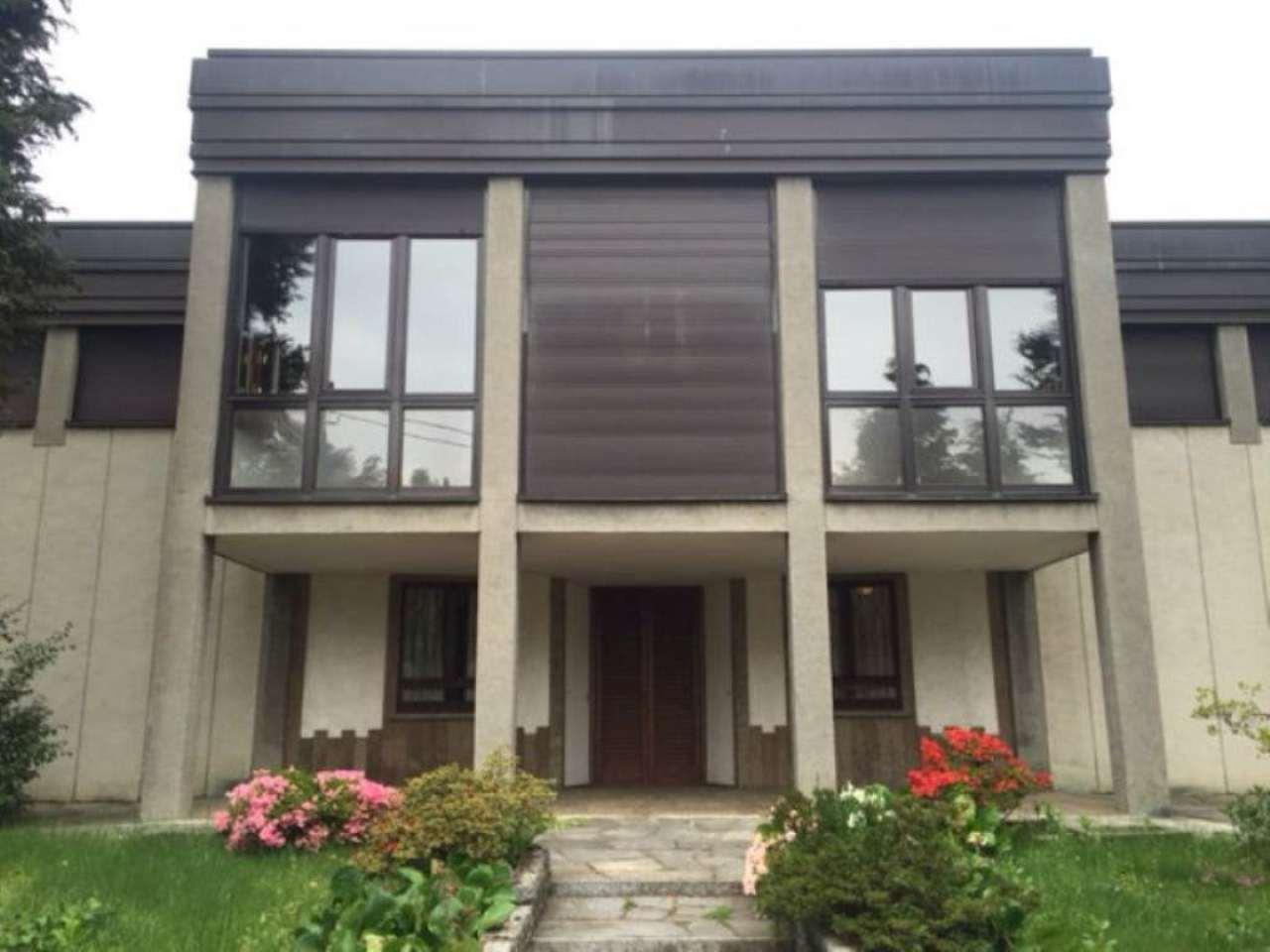 Villa in vendita a Binago, 10 locali, prezzo € 499.000 | Cambio Casa.it