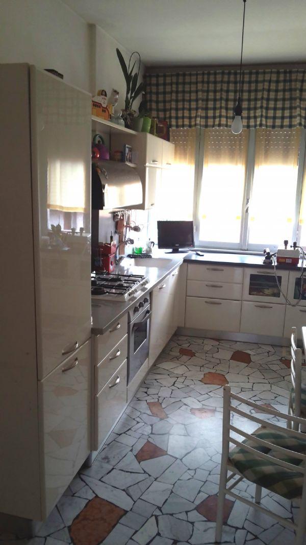 Appartamento in vendita a Venegono Superiore, 3 locali, prezzo € 100.000 | Cambio Casa.it
