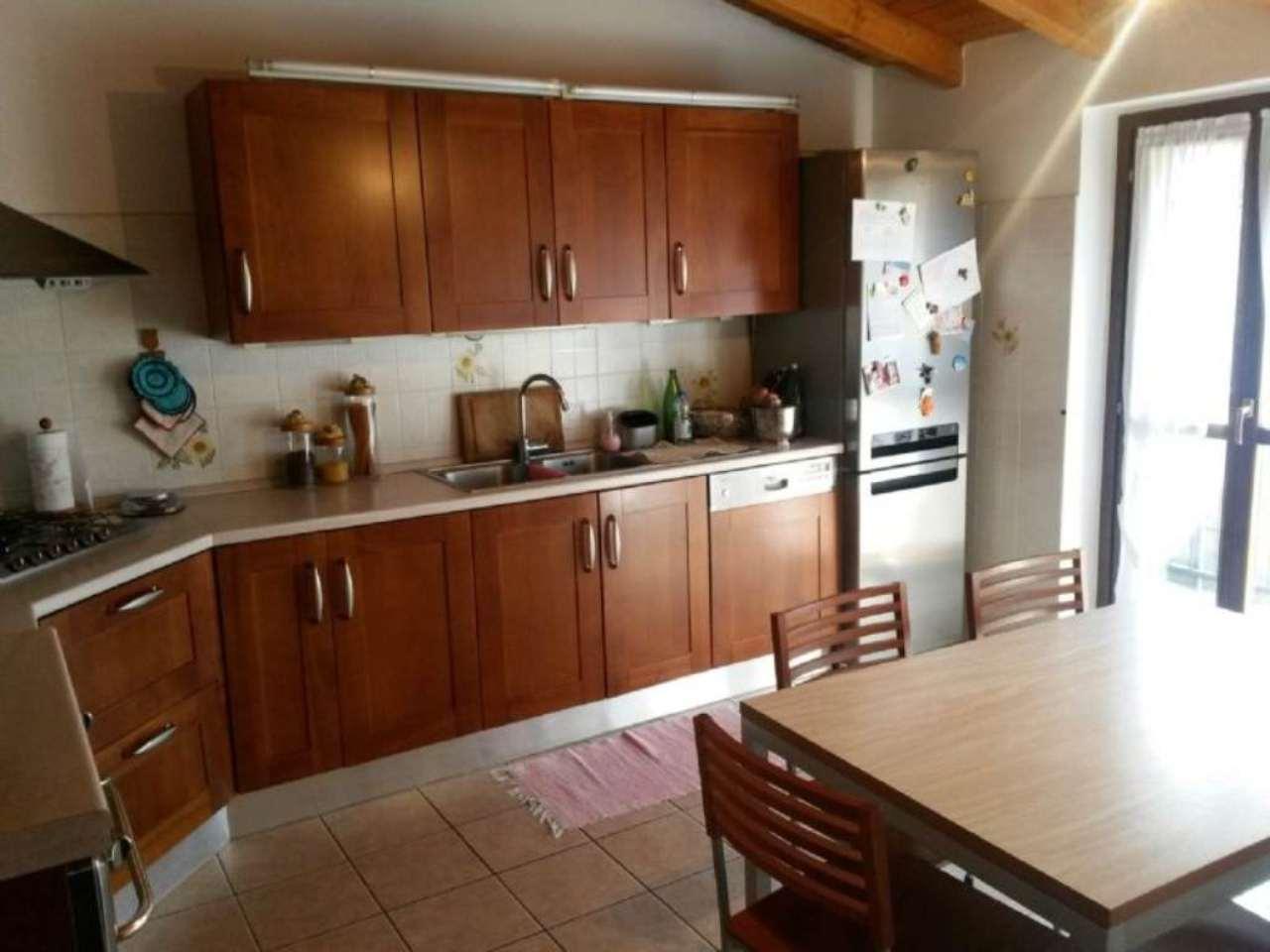 Appartamento in vendita a Lozza, 3 locali, prezzo € 168.000 | Cambio Casa.it