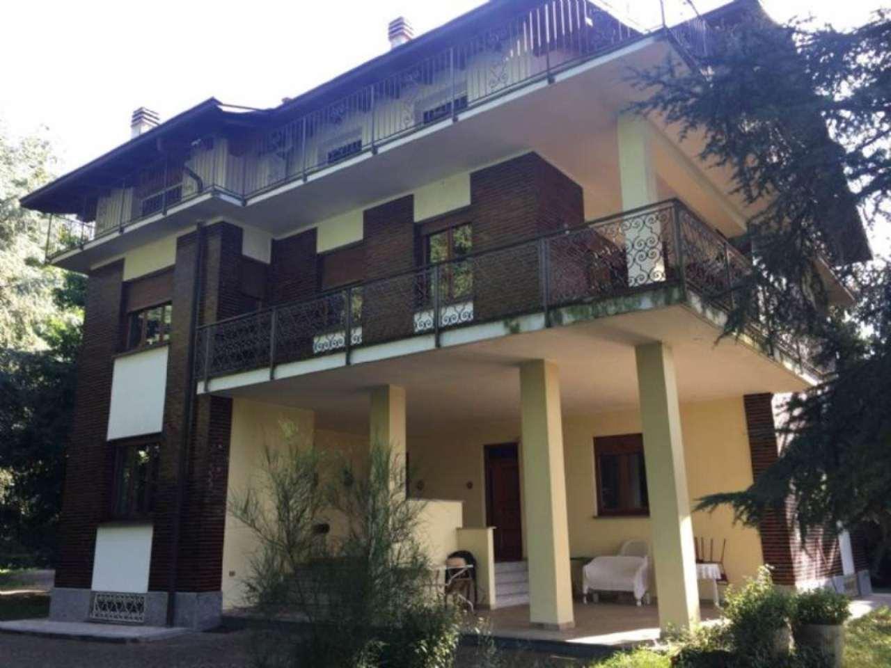 Villa in vendita a Caronno Varesino, 15 locali, prezzo € 590.000 | Cambio Casa.it