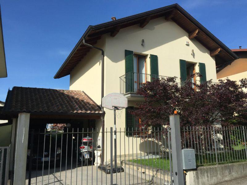 Soluzione Indipendente in vendita a Malnate, 4 locali, prezzo € 335.000   Cambio Casa.it