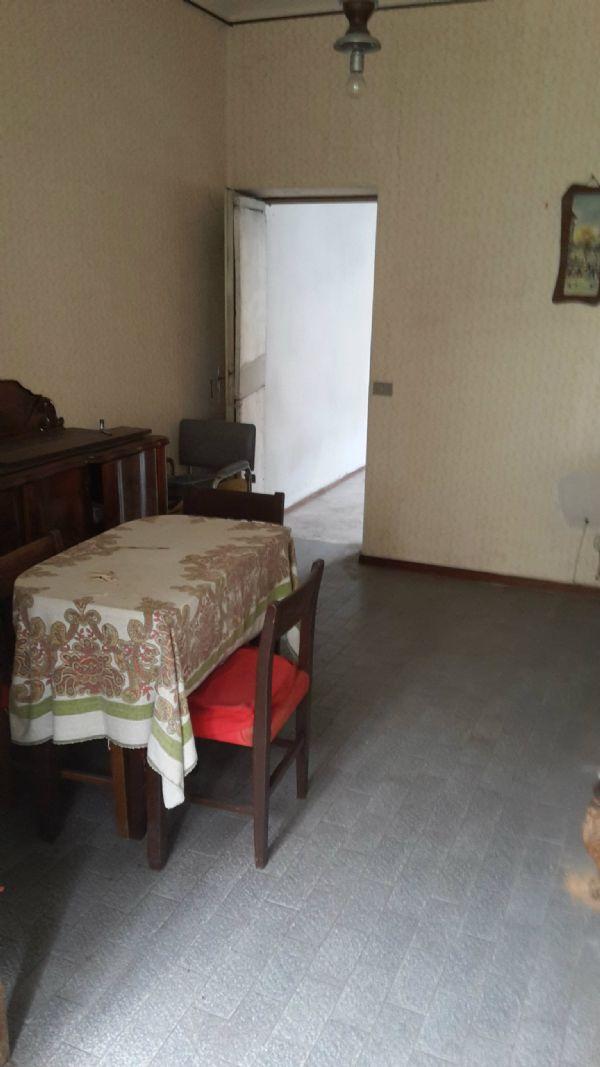 Appartamento in vendita a Venegono Superiore, 3 locali, prezzo € 42.000 | Cambio Casa.it