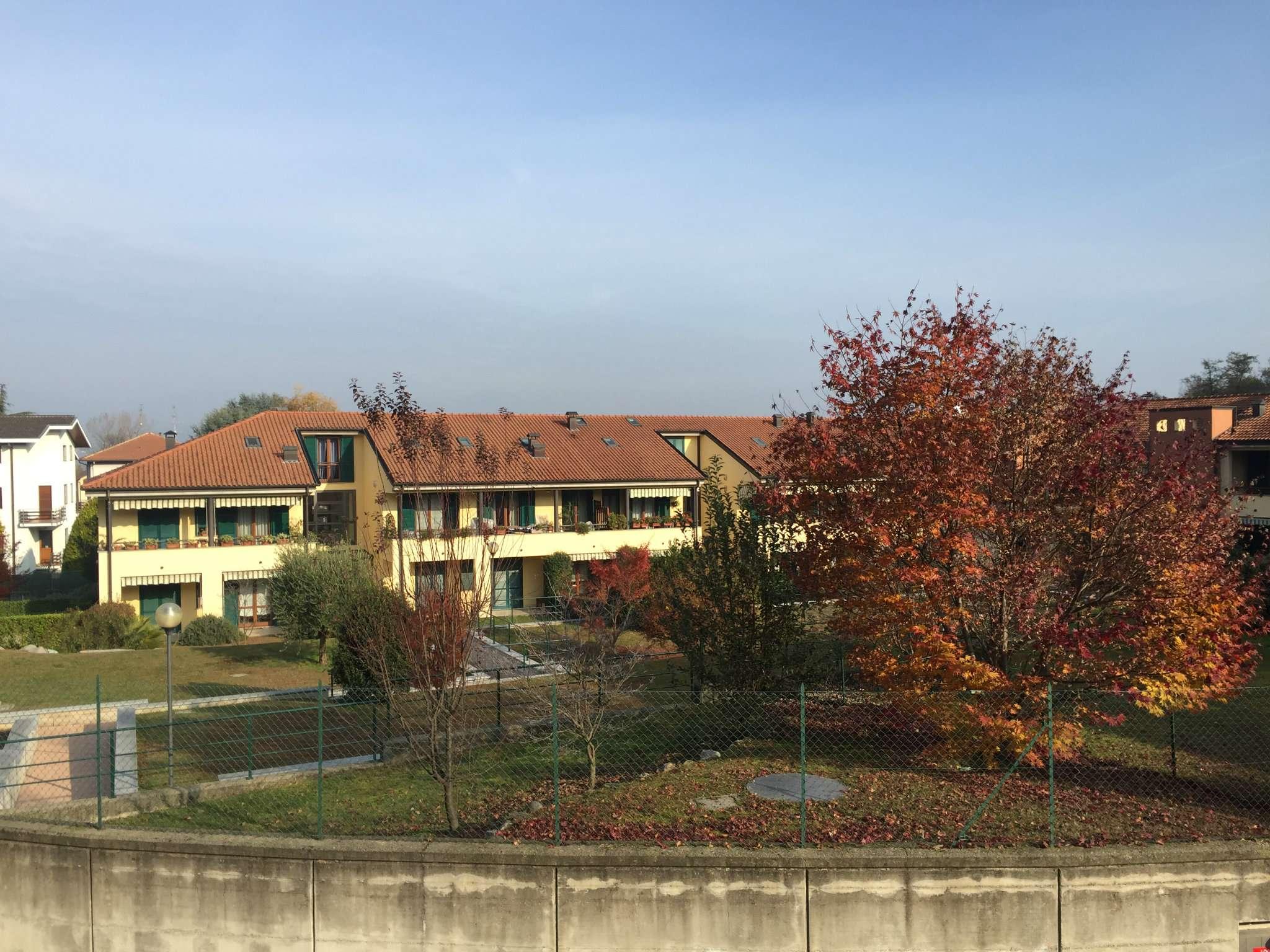 Appartamento in vendita a Azzate, 3 locali, prezzo € 168.000 | Cambio Casa.it
