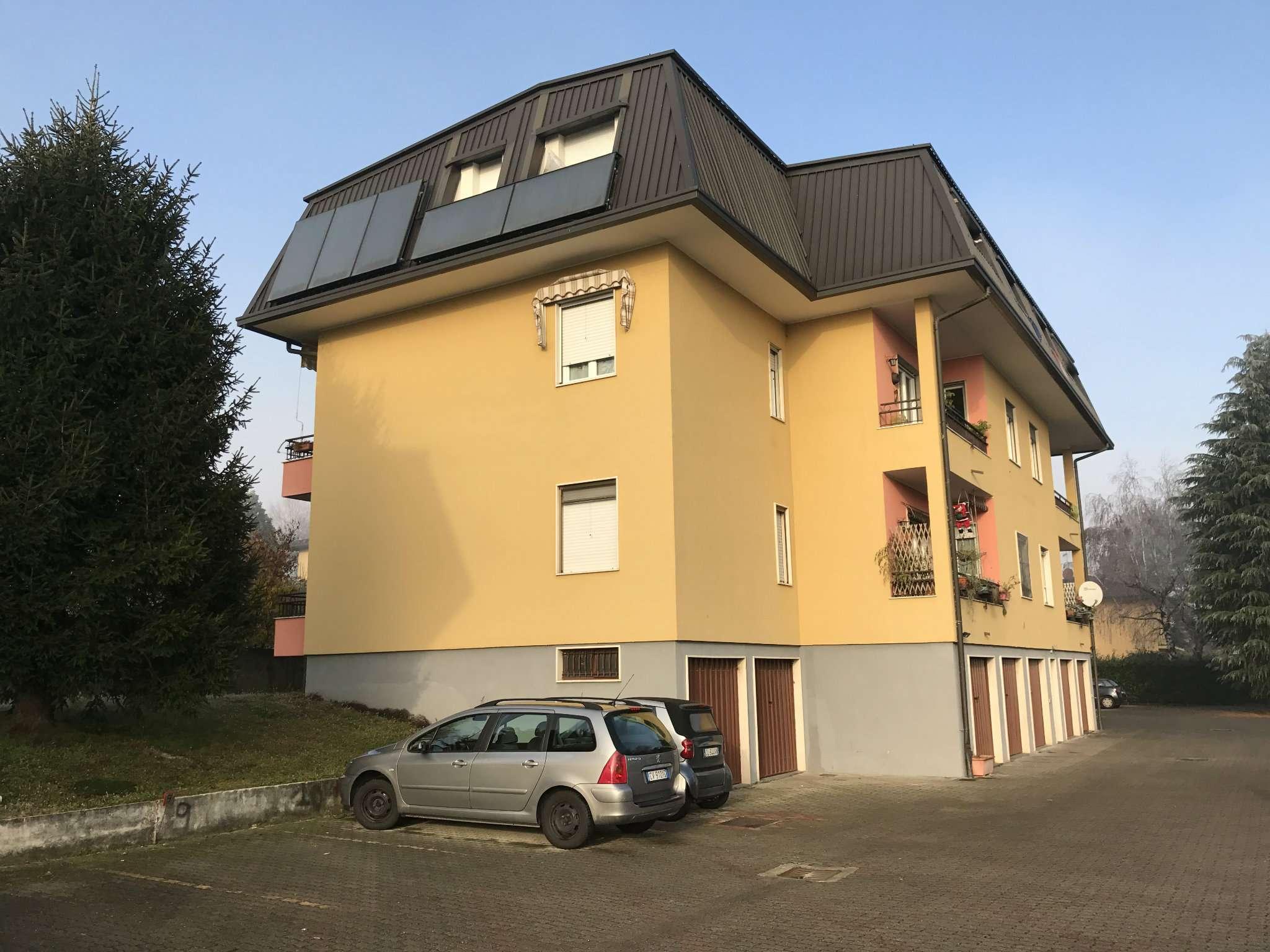 Appartamento in affitto a Daverio, 3 locali, prezzo € 500 | Cambio Casa.it