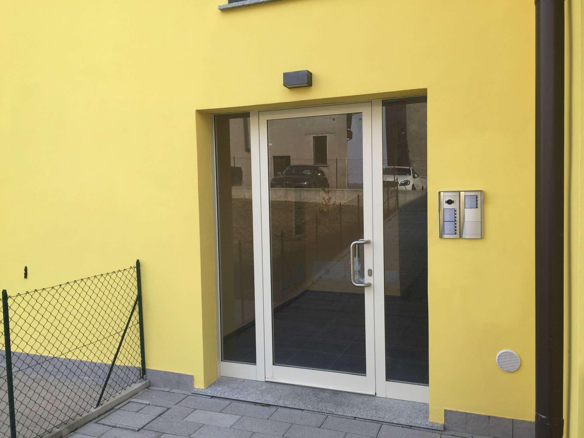 Appartamento in vendita a Mornago, 3 locali, prezzo € 160.000 | Cambio Casa.it