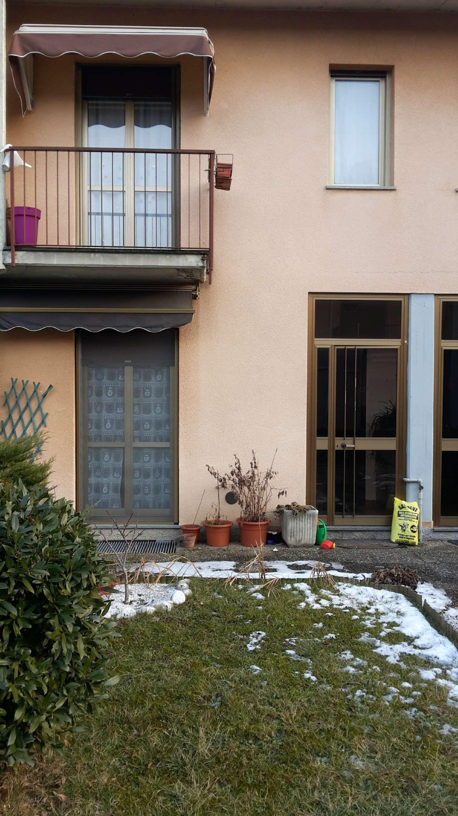 Palazzo / Stabile in vendita a Venegono Inferiore, 3 locali, prezzo € 165.000 | Cambio Casa.it