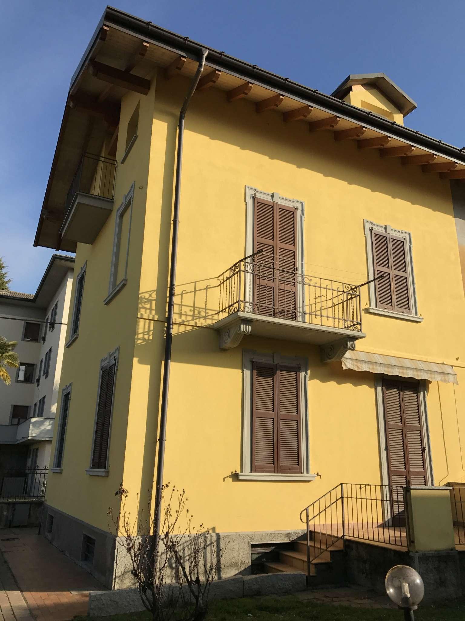 Soluzione Indipendente in vendita a Malnate, 5 locali, prezzo € 248.000   Cambio Casa.it
