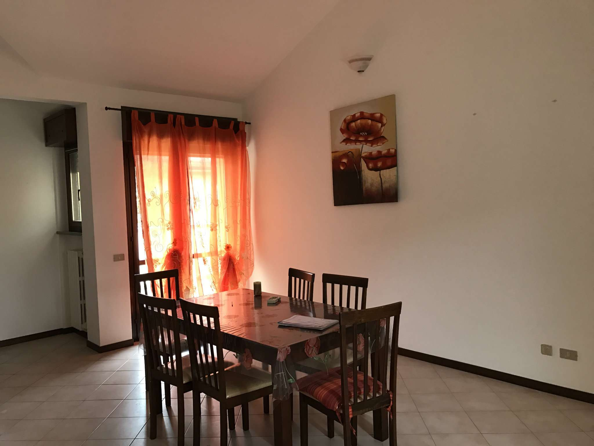 Appartamento in affitto a Malnate, 2 locali, prezzo € 500 | Cambio Casa.it