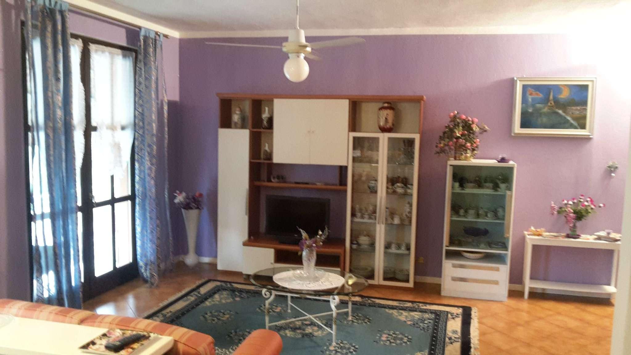Appartamento in vendita a Vedano Olona, 4 locali, prezzo € 190.000   Cambio Casa.it