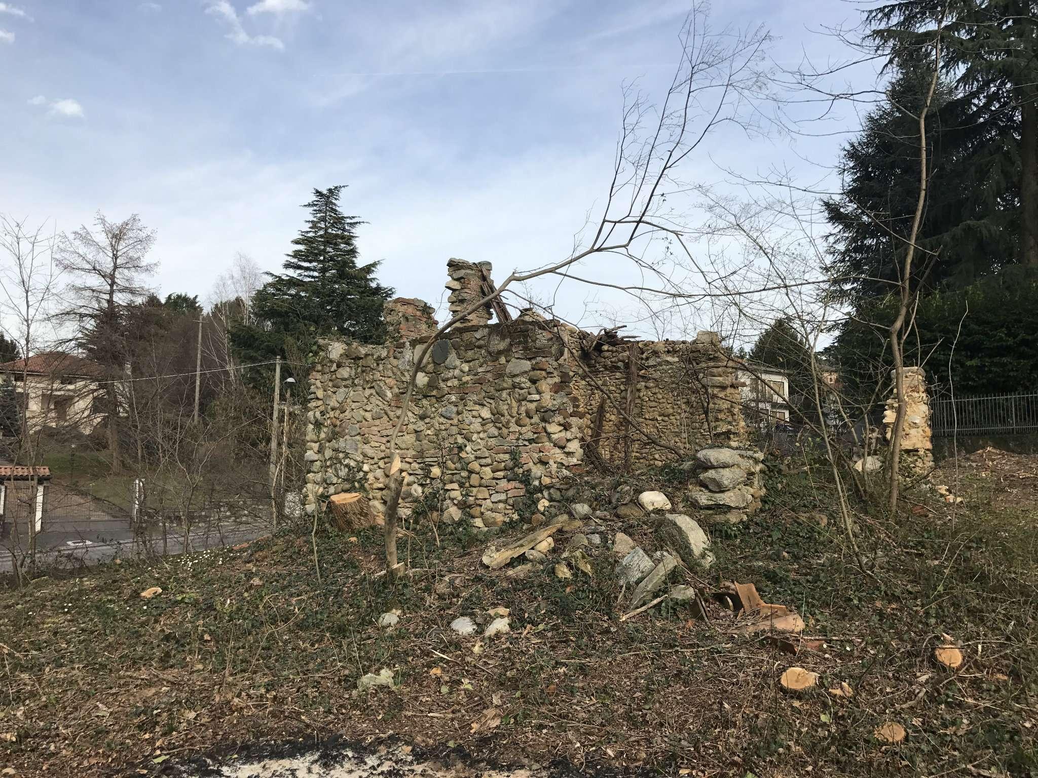Rustico / Casale in vendita a Caronno Varesino, 1 locali, prezzo € 25.000   Cambio Casa.it