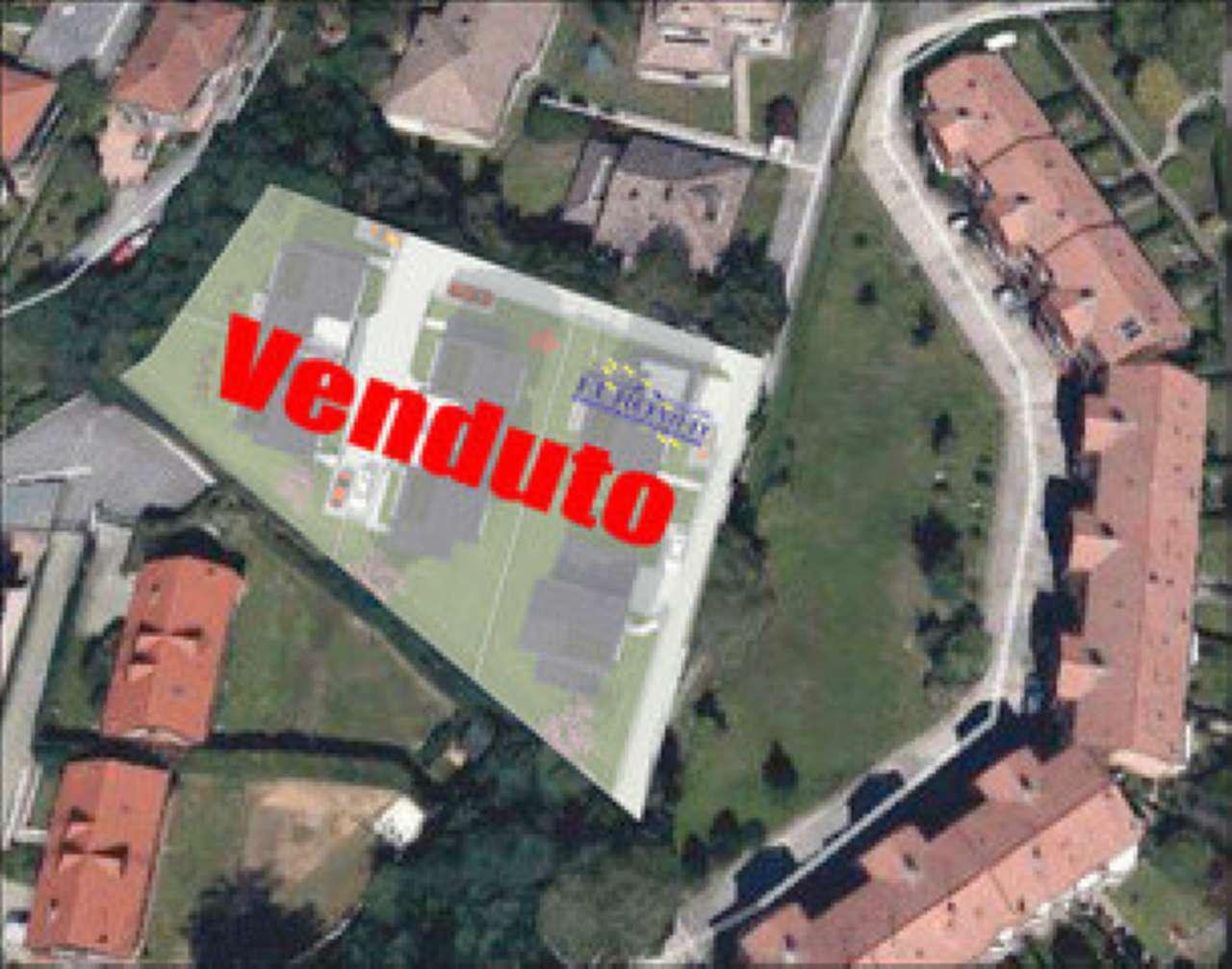 Villa in vendita a Castronno, 6 locali, prezzo € 293.000 | Cambio Casa.it