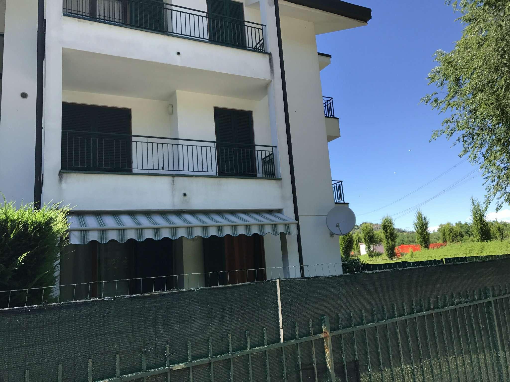 Appartamento in affitto a Malnate, 2 locali, prezzo € 5.400 | Cambio Casa.it