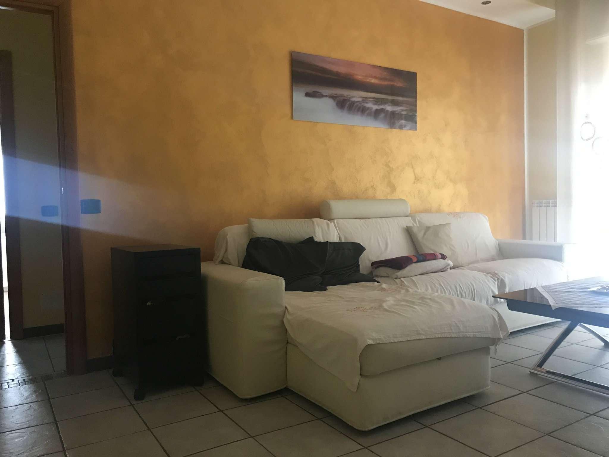 Appartamento in vendita a Castronno, 3 locali, prezzo € 155.000 | Cambio Casa.it