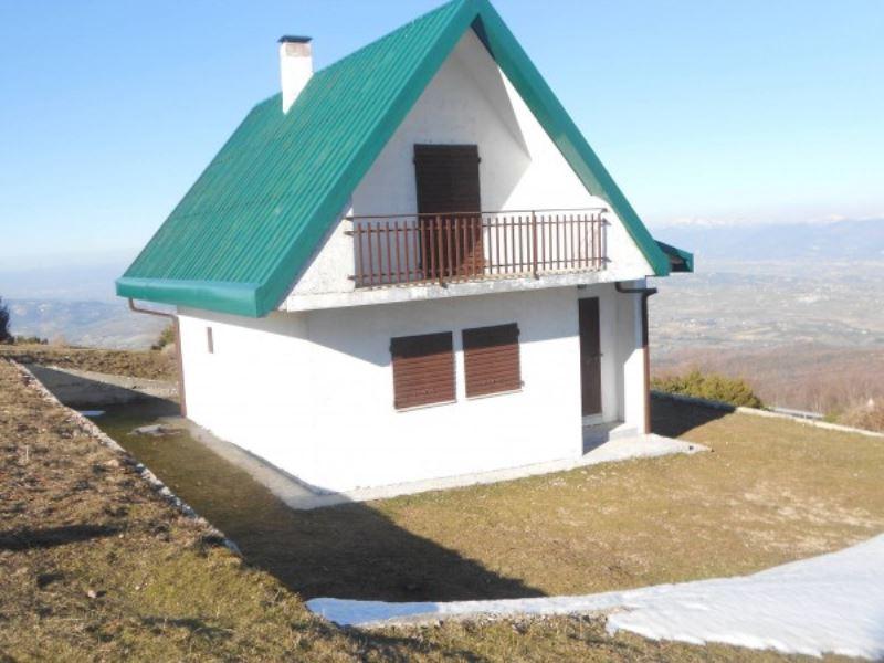Villa in vendita a Giano dell'Umbria, 6 locali, prezzo € 90.000 | Cambio Casa.it