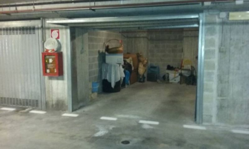 garage-Box-posto auto  in Vendita a Perugia