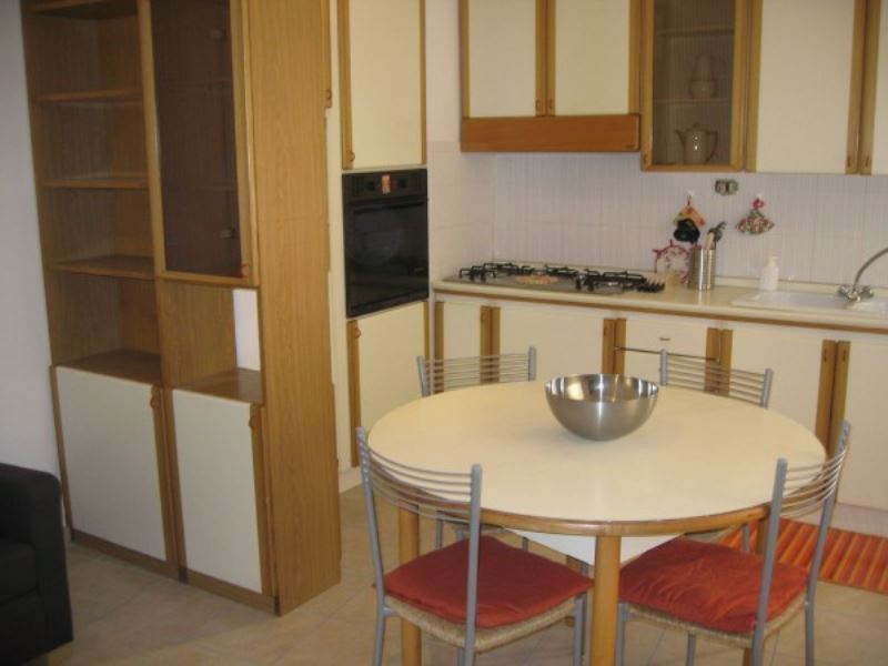 Soluzione Indipendente in affitto a Perugia, 4 locali, prezzo € 600 | Cambio Casa.it