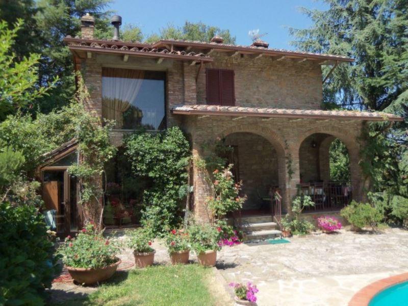 Rustico / Casale in vendita a Piegaro, 6 locali, Trattative riservate | Cambio Casa.it