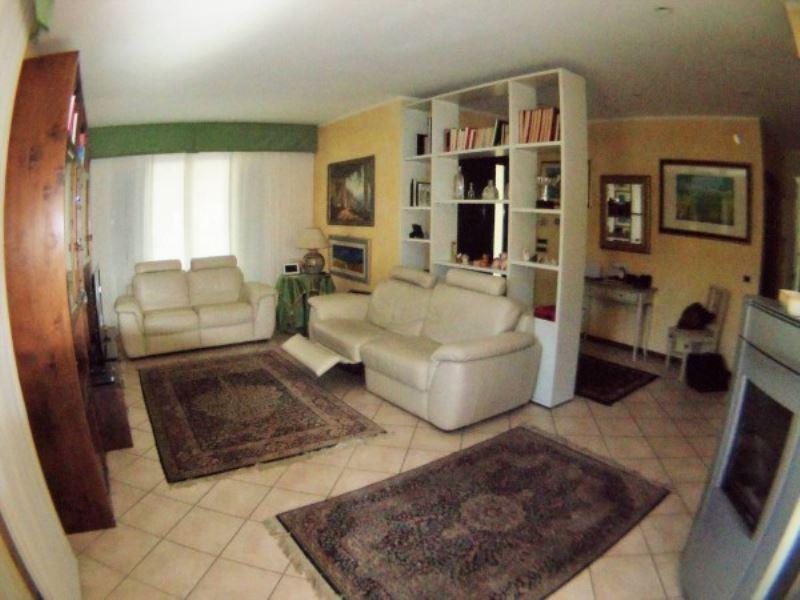 Villa in vendita a Perugia, 6 locali, prezzo € 450.000 | Cambio Casa.it