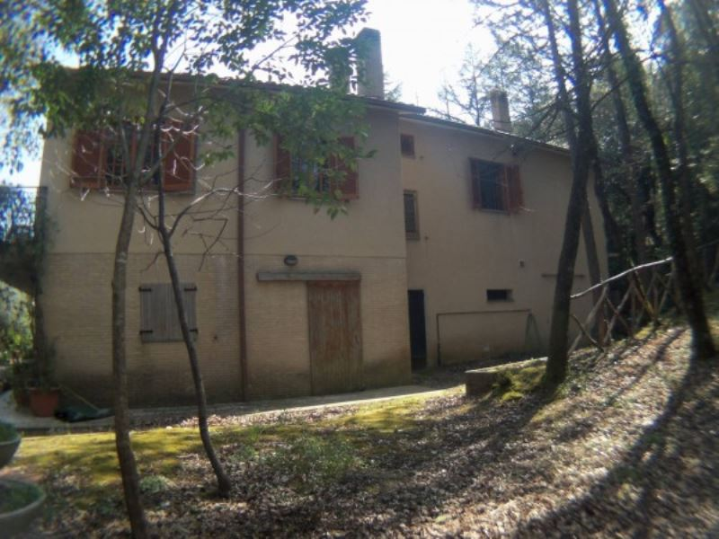 Villa in vendita a Perugia, 14 locali, prezzo € 260.000 | Cambio Casa.it