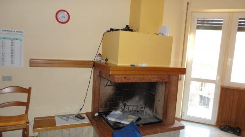 Appartamento in vendita a Perugia, 5 locali, prezzo € 160.000 | Cambio Casa.it